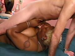 Ebony stripper doing extra services